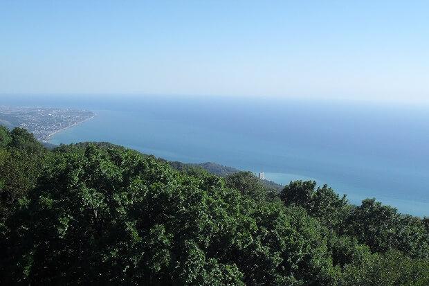 Вид на море с горы Ахун