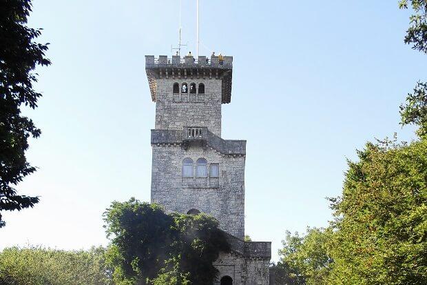 Лестница башни на горе Ахун