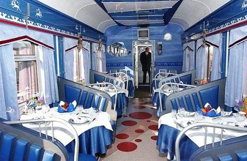Двухэтажные вагоны. Вагон-ресторан