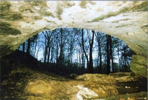 Достопримечательности Сочи. Из пещеры