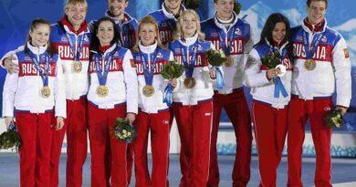 Награждение фигуристов на Олимпиаде в Сочи