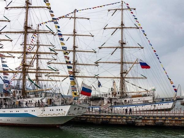 СКФ Черноморская регата больших парусников-2014.  У причала