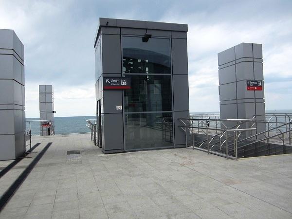 ЖД вокзал Адлер. Лифт