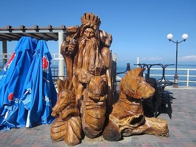 Адлер. Скульптура Нептуна