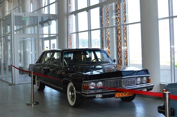 Автомобильный музей в Олимпийском парке. Чайка