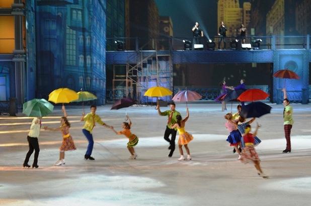 Мюзикл Огни большого города. Сцена с зонтами