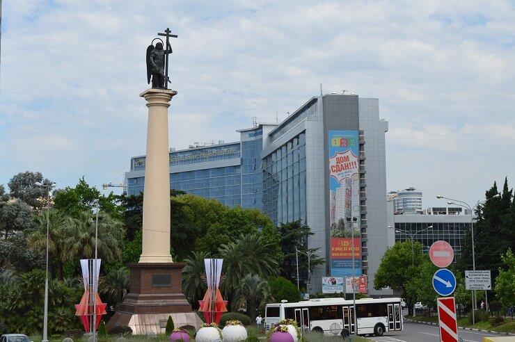 Памятник Архангелу Михаилу - покровителю города Сочи