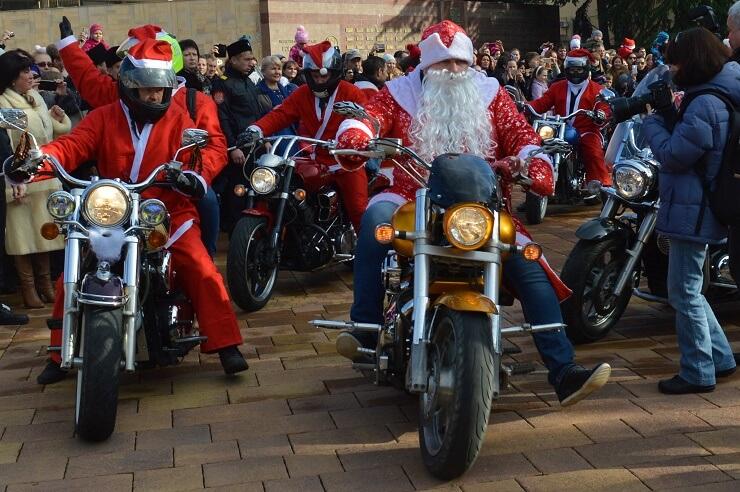 Байкеры Деды Морозы в Сочи