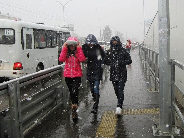 Снег в Сочи. Люди
