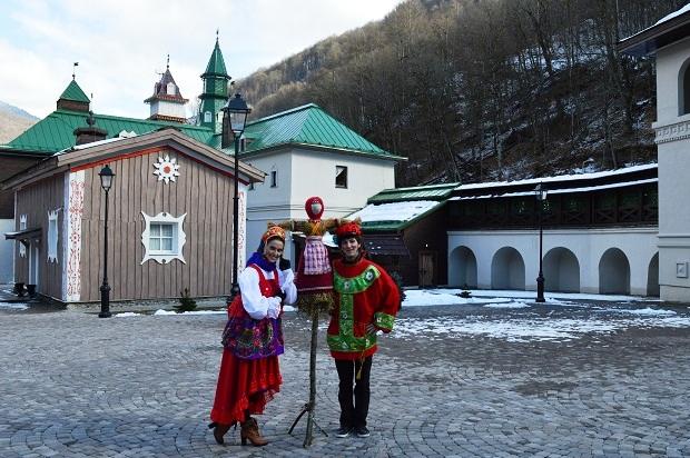 Etnograficheskiy park Moya Rossiya. Chuchelo Maslenitsy