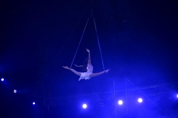 Мюзикл Алиса в Сочи Парке. Воздушная гимнастка Вероника Тесленко