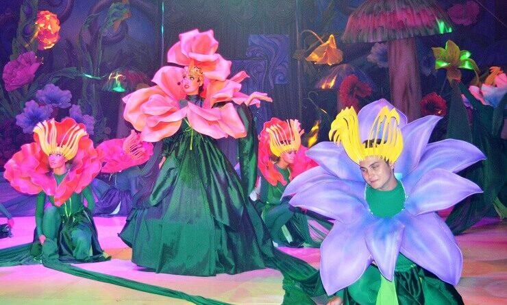"""Сцена из циркового мюзикла """"Алиса"""""""
