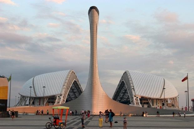 Зимний режим работы Олимпийских фонтанов. Днем