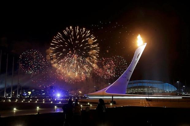 Зимний режим работы Олимпийских фонтанов. Олимпийский огонь