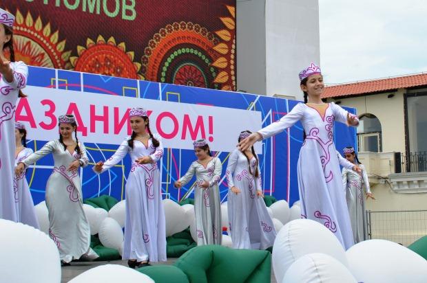 Конкурс карнавальных костюмов в Сочи. Концерт2