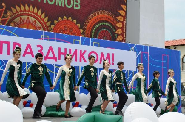 Конкурс карнавальных костюмов в Сочи. Концерт3
