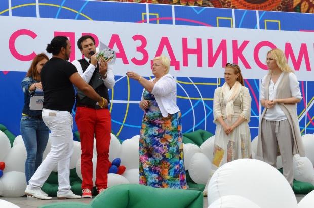Конкурс карнавальных костюмов в Сочи. Мишель Мартинас