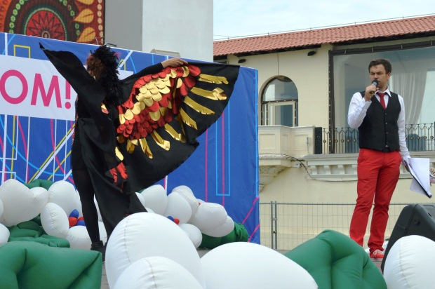 Конкурс карнавальных костюмов в Сочи. Птица Феникс2