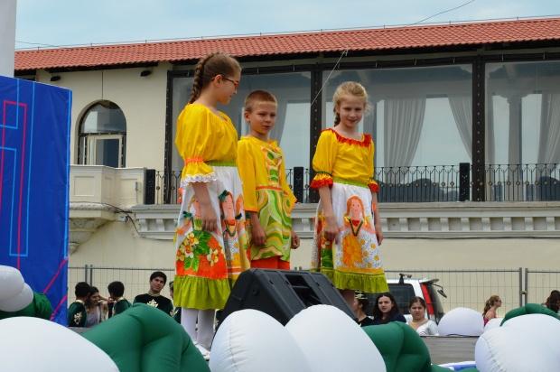 Конкурс карнавальных костюмов в Сочи. Студия текстиля Разноцветие