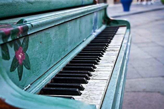 festival-ulichnykh-pianino-v-sochi1