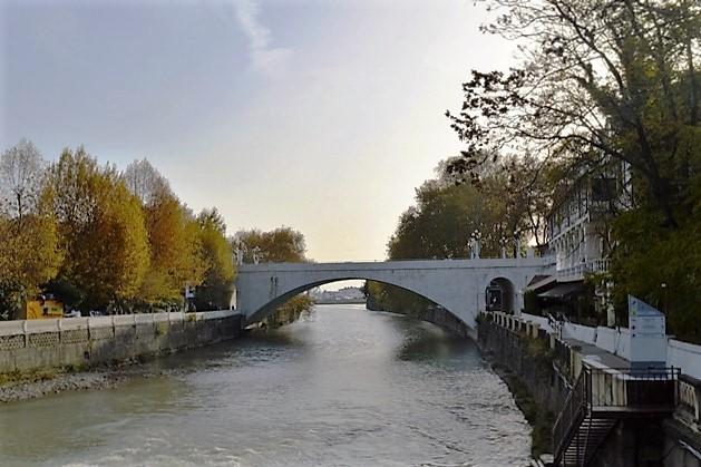 Курортный проспект в Сочи. Ривьерский мост