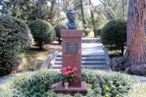 Сочинский дендрарий. Основатель. Памятник Худекову