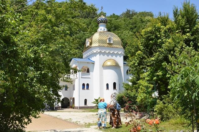 Храм в честь иконы Божией Матери Пресвятая Игуменья горы Афона