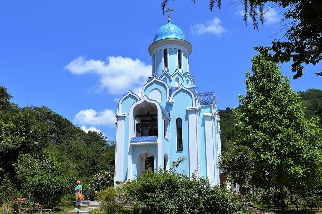 Храм в честь мученика Уара