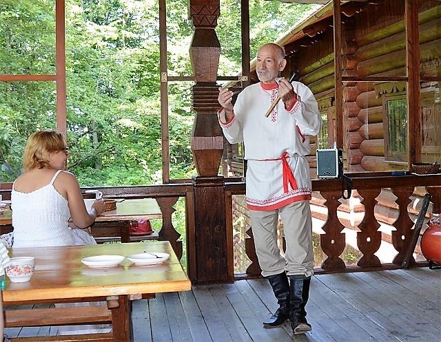 Чайные домики Сочи. Народные инструменты