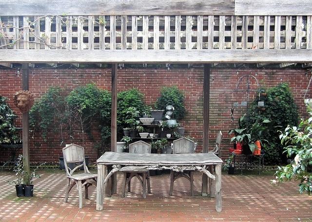Сады Филоли. Садовая мебель
