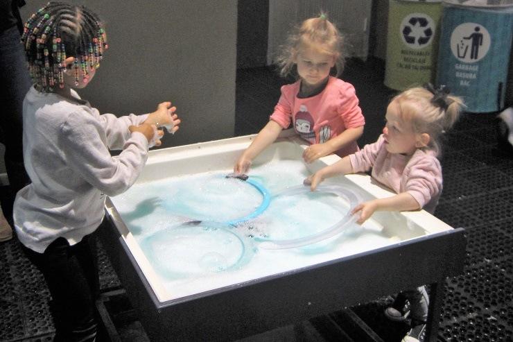 Детский музей в Сан-Хосе. Мыльные пузыри
