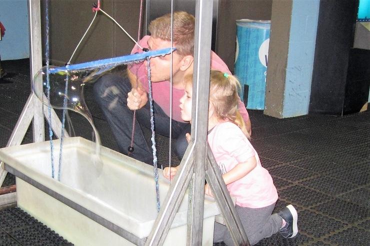 Детский музей в Сан-Хосе. Мыльные пузыри1