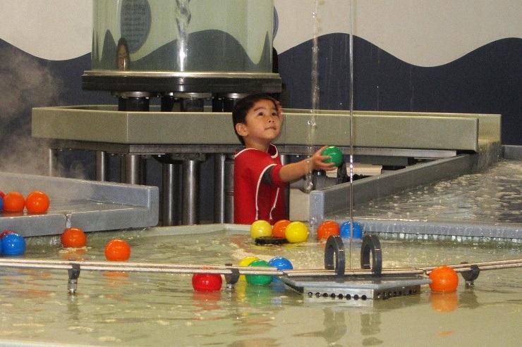 Детский музей в Сан-Хосе. Водные игры2