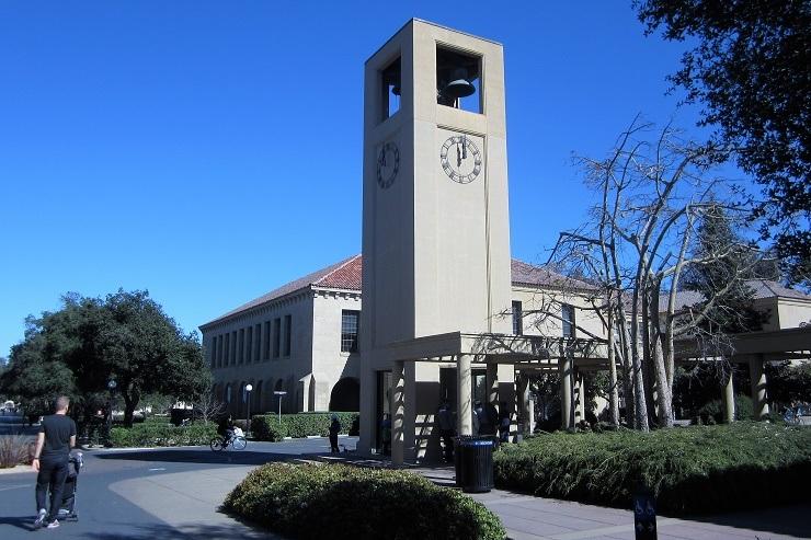 Стэнфорд. Часы