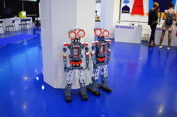 Выставка роботов4