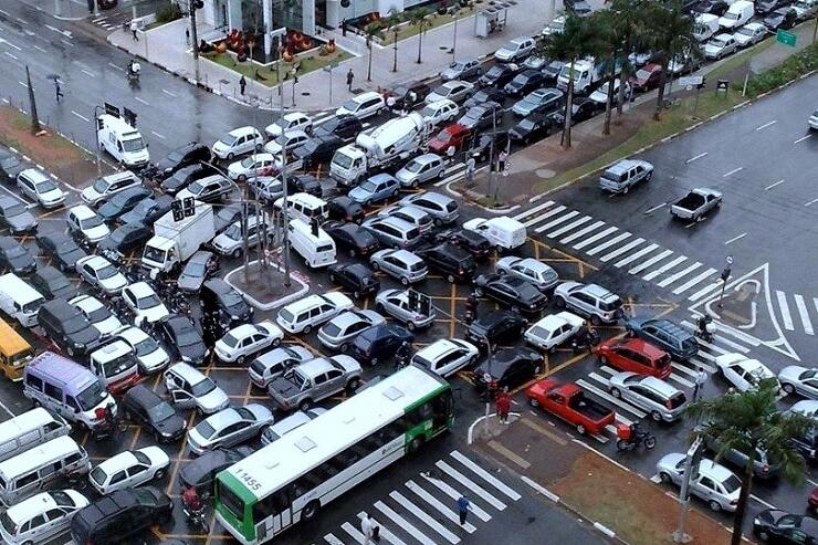 Пробки на дорогах в Черную пятницу