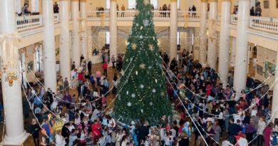 Новогодняя елка в Зимнем театре