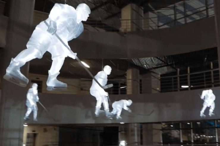 Экспонат Парка ледяных скульптур. Хоккеист