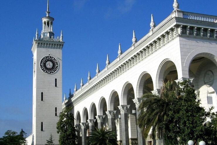 Башня на ЖД вокзале Сочи