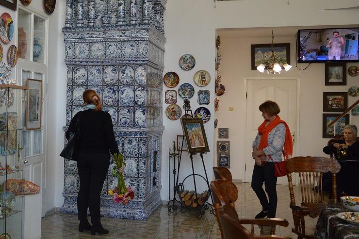 Печь и дрова в Музее Юрия Новикова