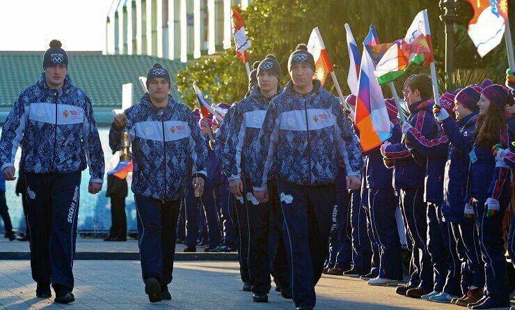 Сочи встречает Олимпийский огонь