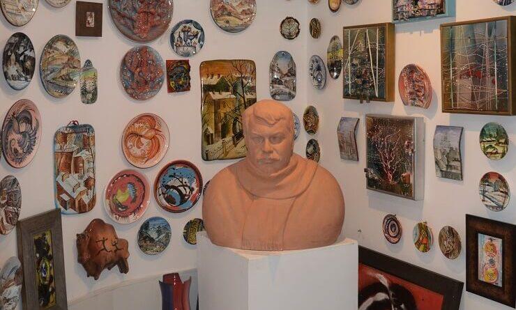 Бюст Ю.Новикова. Скульптор М. Лушников